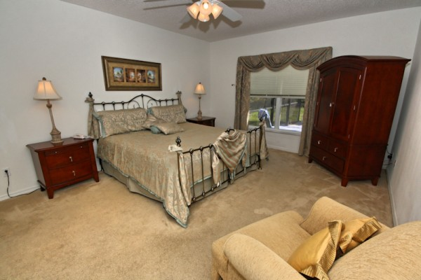 015-Master Bedroom